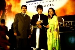 Manoj Jain & His Wife Rashmi Jain With Bollywood Actor Amir Khan at Kolkata - 28 May 2009